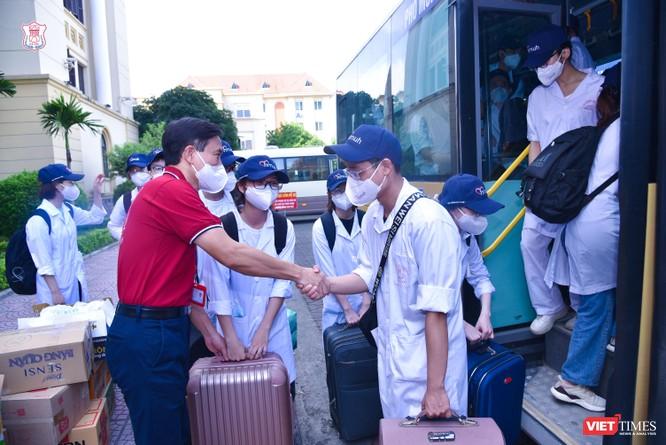 Trường Đại học Y Hà Nội điều thêm 60 cán bộ, sinh viên hỗ trợ vùng tâm dịch Bắc Ninh ảnh 9