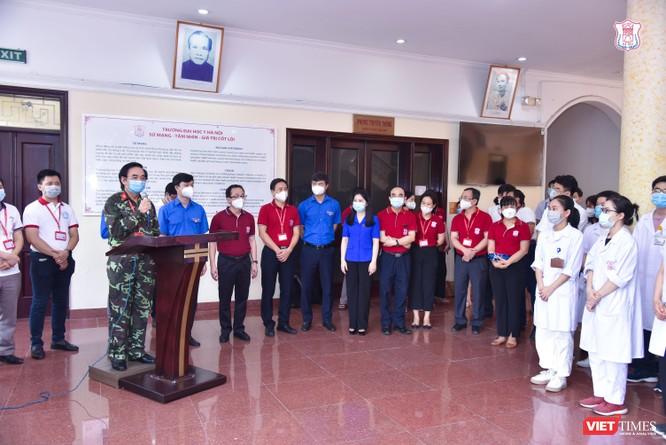 Lần thứ 3 trong 10 ngày, Trường Đại học Y Hà Nội đưa cán bộ, sinh viên chi viện tâm dịch Bắc Ninh ảnh 4