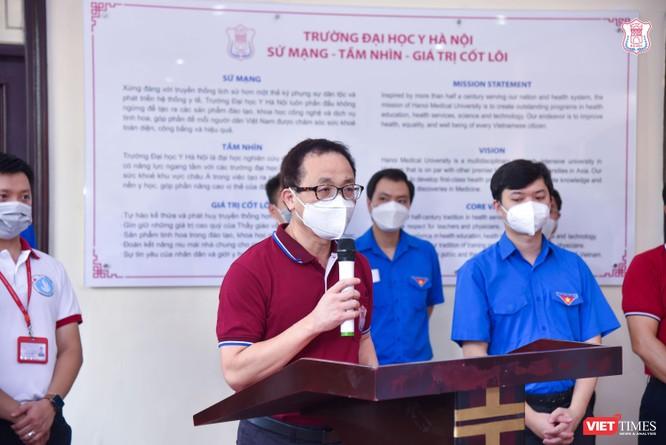Lần thứ 3 trong 10 ngày, Trường Đại học Y Hà Nội đưa cán bộ, sinh viên chi viện tâm dịch Bắc Ninh ảnh 1
