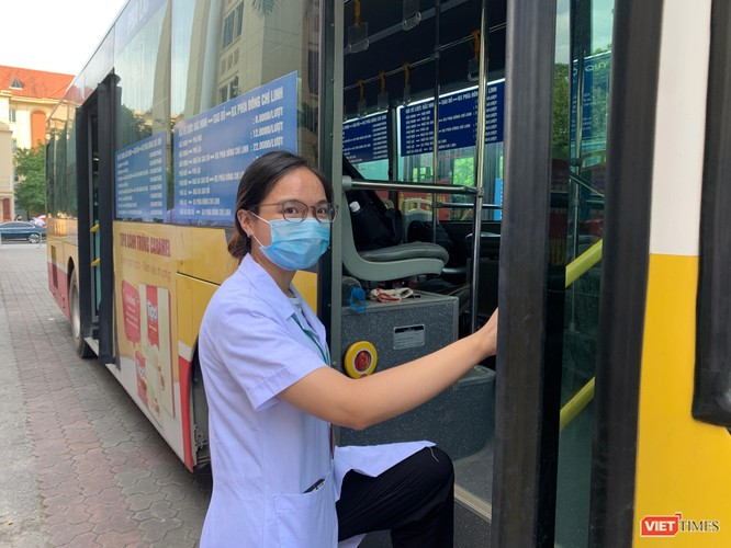 Lần thứ 3 trong 10 ngày, Trường Đại học Y Hà Nội đưa cán bộ, sinh viên chi viện tâm dịch Bắc Ninh ảnh 9
