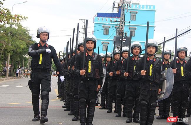 Hơn 2.000 cảnh sát diễn tập chống khủng bố bảo vệ APEC tại Đà Nẵng ảnh 11