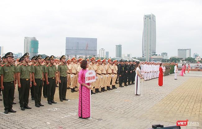 Hơn 2.000 cảnh sát diễn tập chống khủng bố bảo vệ APEC tại Đà Nẵng ảnh 13