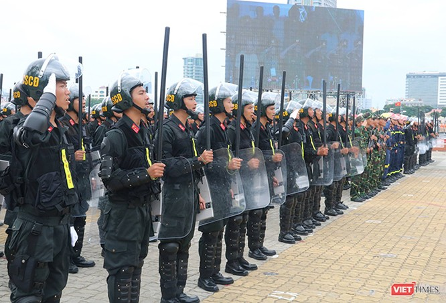 Hơn 2.000 cảnh sát diễn tập chống khủng bố bảo vệ APEC tại Đà Nẵng ảnh 14