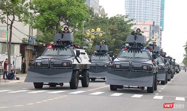 Hơn 2.000 cảnh sát diễn tập chống khủng bố bảo vệ APEC tại Đà Nẵng ảnh 9