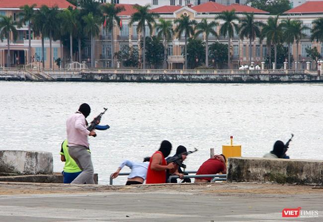 Hơn 2.000 cảnh sát diễn tập chống khủng bố bảo vệ APEC tại Đà Nẵng ảnh 26