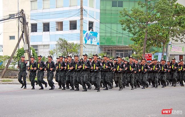 Hơn 2.000 cảnh sát diễn tập chống khủng bố bảo vệ APEC tại Đà Nẵng ảnh 10
