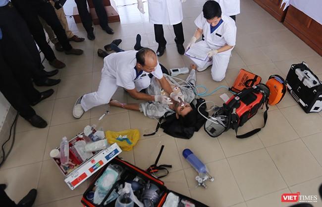 Sử dụng thiết bị y tế chuyên dụng