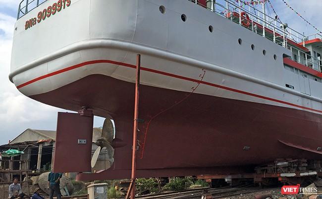 Tàu được trang bị 1 động cơ diesel Mitsubishi công suất hơn 1.000 CV, 1 chân vịt và có thể đạt tốc độ tự do 12,5 hải lý/giờ