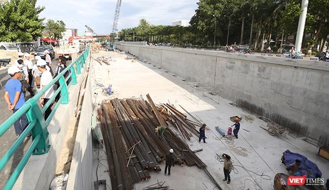 Hầm chui Điện Biên Phủ đang được gấp tút hoàn thành để phục vụ APEC