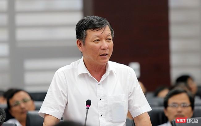 Ông Lê Văn Trung, Giám đốc Sở Giao thông vận tải TP Đà Nẵng thông tin về tiến độ thi công Dự án hầm chui Điện Biên Phủ-Nguyễn Tri Phương tại buổi Họp báo