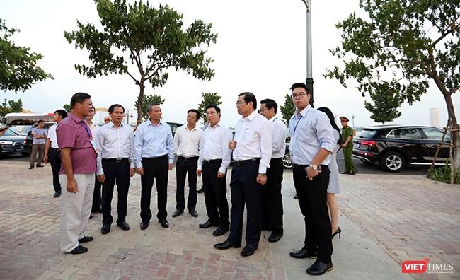 Phó Thủ tướng, Bộ trưởng Bộ Ngoại giao Phạm Bình Minh tại Công viên APEC