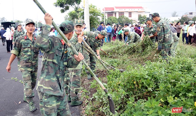 Đà Nẵng: Toàn TP ra quân làm vệ sinh môi trường đón APEC ảnh 3