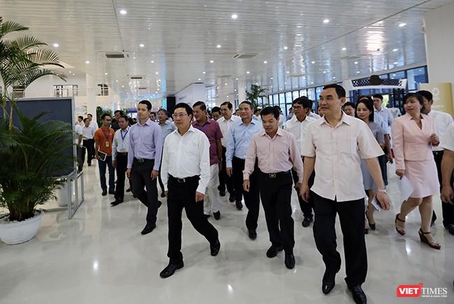 Phó Thủ tướng Phạm Bình Minh khai trương Trung tâm Báo chí Quốc tế phục vụ APEC ảnh 4
