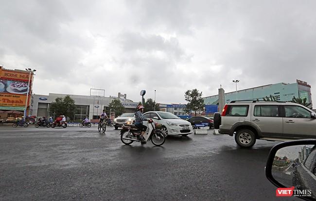 Khu vực nút giao thông Nguyễn Tri Phương-Lê Độ đã thông thoáng, khác so với tình trạng ùn tắc giao thông khi vào giờ cao điểm như trước đây