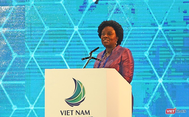 bà Victoria Kwakwa, Phó Chủ tịch Ngân hàng Thế giới khu vực Đông Á và Thái Bình Dương đánh giá cao những cải thiện gần đây của Việt Nam về môi trường đầu tư kinh doanh và trên nhiều lĩnh vực khác