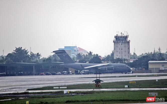 """""""Quái thú"""" Cadilac One của Tổng thống Mỹ đã đến Đà Nẵng ảnh 10"""