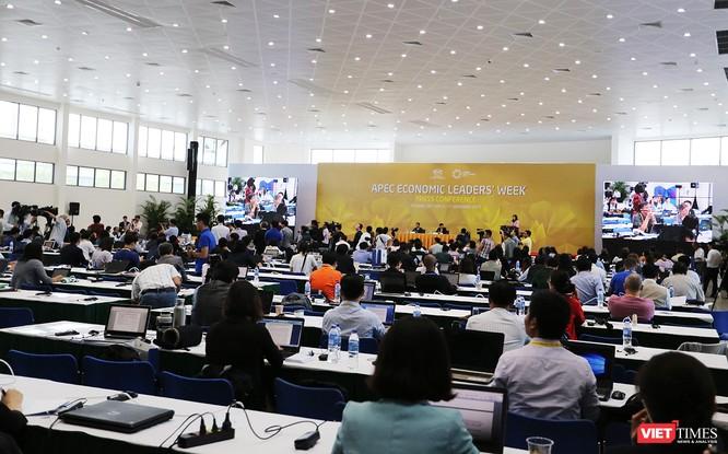 Họp báo thu hút sự quan tâm của phóng viên báo chí trong nước và quốc tế