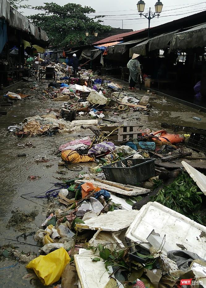 Hội An căng mình dọn rác sau lũ đón APEC ảnh 3
