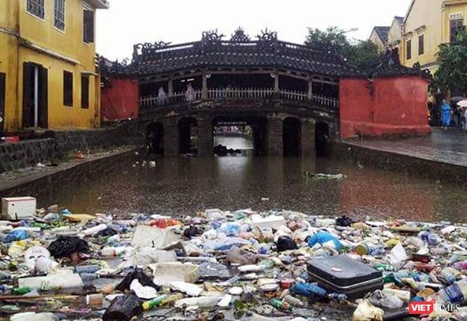 Hội An căng mình dọn rác sau lũ đón APEC ảnh 5