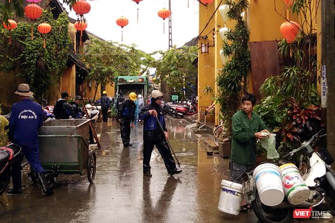 Hội An căng mình dọn rác sau lũ đón APEC ảnh 6