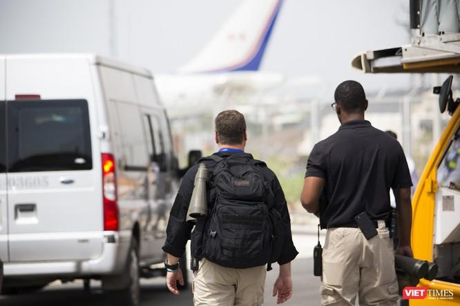 Chuyên cơ Tổng thống Mỹ hạ cánh xuống Đà Nẵng có gì khác biệt? ảnh 8