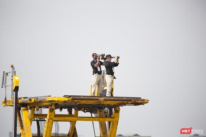 Chuyên cơ Tổng thống Mỹ hạ cánh xuống Đà Nẵng có gì khác biệt? ảnh 12