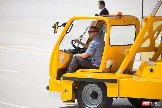 Chuyên cơ Tổng thống Mỹ hạ cánh xuống Đà Nẵng có gì khác biệt? ảnh 15