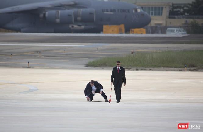 Chuyên cơ Tổng thống Mỹ hạ cánh xuống Đà Nẵng có gì khác biệt? ảnh 5