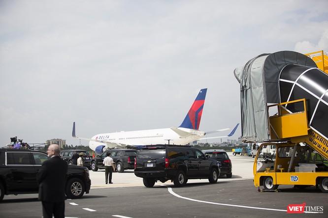Chuyên cơ Tổng thống Mỹ hạ cánh xuống Đà Nẵng có gì khác biệt? ảnh 18