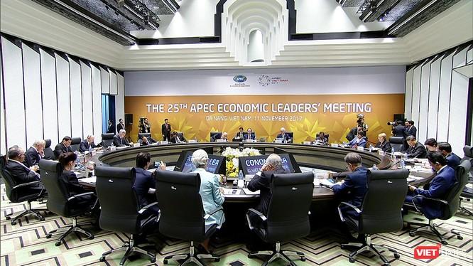 """Hội nghị lần thứ 25 các nhà lãnh đạo kinh tế Diễn đàn Hợp tác kinh tế châu Á - Thái Bình Dương (APEC) vừa kết thúc tốt đẹp với Tuyên bố Đà Nẵng """"Tạo động lực mới, cùng vun đắp tương lai chung"""", sự kiện đánh dấu thành công của Tuần lễ cấp cao (TLCC) APEC 2017 tại Đà Nẵng."""