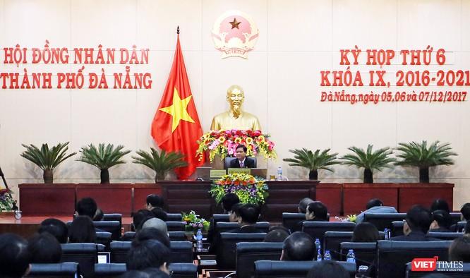 Theo Bí thư Thành ủy Đà Nẵng, Kỳ họp thứ 6, HĐND TP Đà Nẵng khóa IX là kỳ họp chưa từng có trong lịch sử khi Phó Chủ tịch HĐND một mình đứng