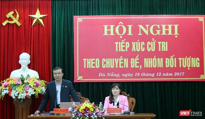 Ông Nguyễn Bá Sơn phát biểu tiếp thu ý kiến của cử tri