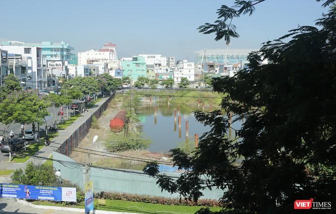 Dự án Khu phức hợp cao cấp thương mại, văn phòng, khách sạn và chung cư cao cấp Golden Square (của Công ty CP Địa ốc Đông Á); Dự án Đà Nẵng Center (Công ty CP Địa ốc Vũ Châu Long);…