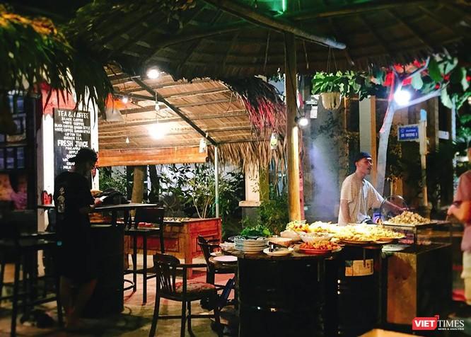 Sức hấp dẫn của phố du lịch đêm trên đường Ngô Thì Sĩ