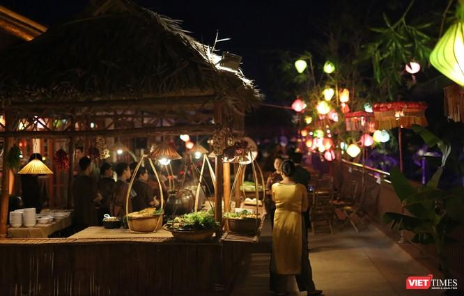 Không gian Tết xưa được tái hiện tại Furama resort phục vụ du khách đến Đà Nẵng trong dịp Tết nguyên đán Mậu Tuất 2018