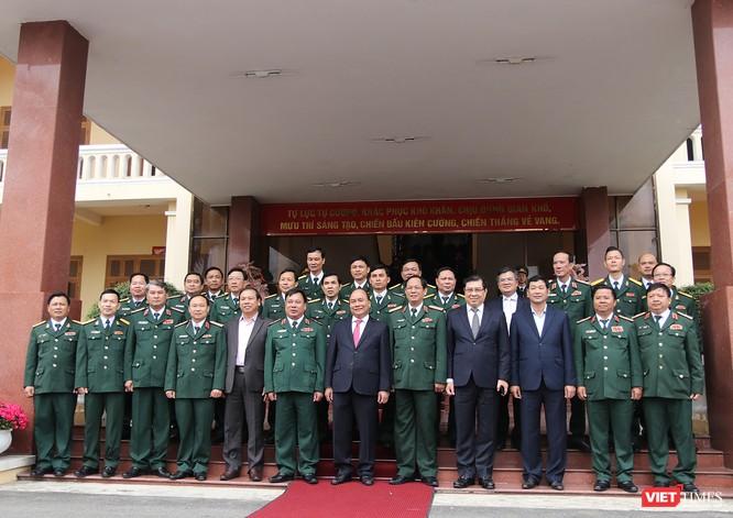 Sáng 11/2, tại Đà Nẵng, Thủ tướng Chính phủ Nguyễn Xuân Phúc đã có chuyến thăm hỏi, động viên và chúc Tết cán bộ chiến sĩ Bộ Tư lệnh Quân khu V.