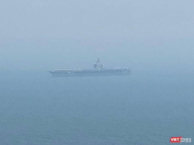 Những hình ảnh đầu tiên của tàu sân bay Mỹ Carl Vinson tại Đà Nẵng ảnh 6