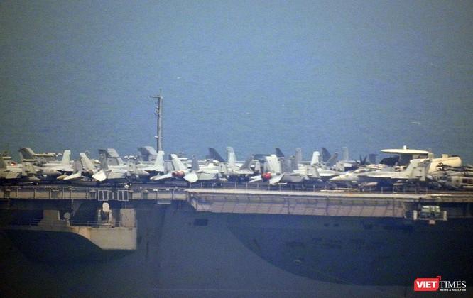 Cận cảnh siêu tàu sân bay Mỹ USS Carl Vinson đang neo đậu Tiên Sa ảnh 8