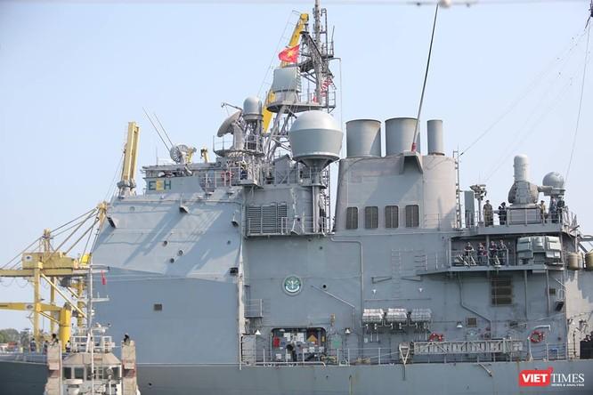 Sức mạnh của tuần dương hạm hộ tống siêu hàng không mẫu hạm đến Đà Nẵng ảnh 10