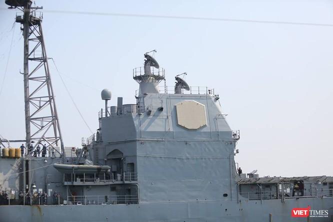 Sức mạnh của tuần dương hạm hộ tống siêu hàng không mẫu hạm đến Đà Nẵng ảnh 11