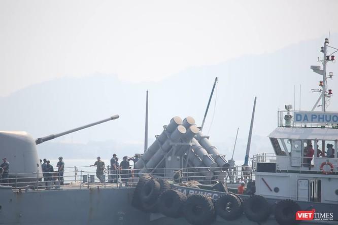 Sức mạnh của tuần dương hạm hộ tống siêu hàng không mẫu hạm đến Đà Nẵng ảnh 12