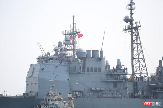 Sức mạnh của tuần dương hạm hộ tống siêu hàng không mẫu hạm đến Đà Nẵng ảnh 3