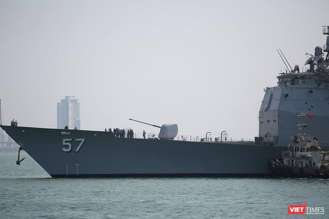 Sức mạnh của tuần dương hạm hộ tống siêu hàng không mẫu hạm đến Đà Nẵng ảnh 5