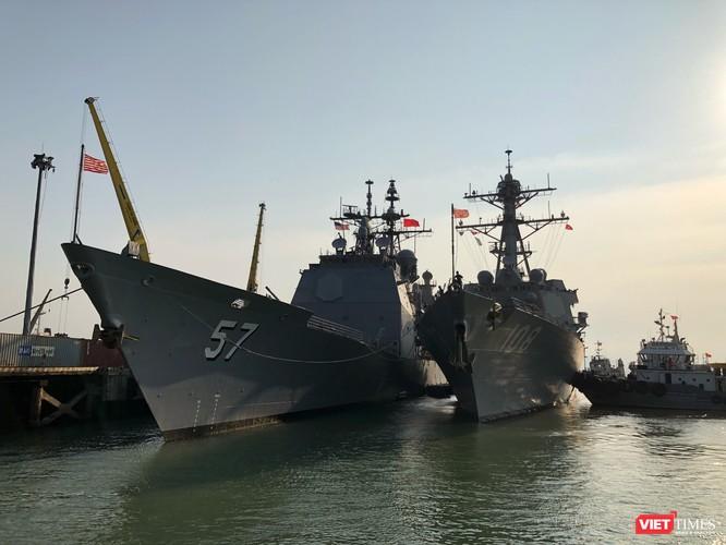 Sức mạnh của tuần dương hạm hộ tống siêu hàng không mẫu hạm đến Đà Nẵng ảnh 13