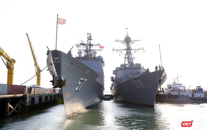 """Ngắm """"vệ sĩ"""" hộ tống siêu mẫu hạm USS Carl Vinson cập cảng Đà Nẵng ảnh 9"""