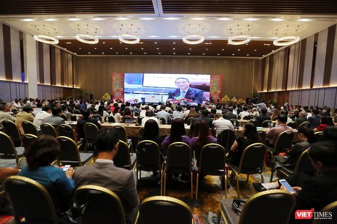 """Chiều ngày 3/8, tại Trung tâm Hội nghị Ariyana Đà Nẵng, dưới sự chủ trì của Bí thư Trương Quang Nghĩa, Thành ủy Đà Nẵng đã tổ chức diễn đàn """"Tọa đàm mùa Xuân 2018"""" với sự tham dự của hơn 500 đại biểu đến từ các Hiệp hội, doanh nghiệp, tổ chức trên địa bàn"""