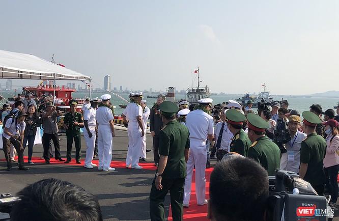 Lê đối Đội tàu đã được cử hành nhanh ngay sau đó
