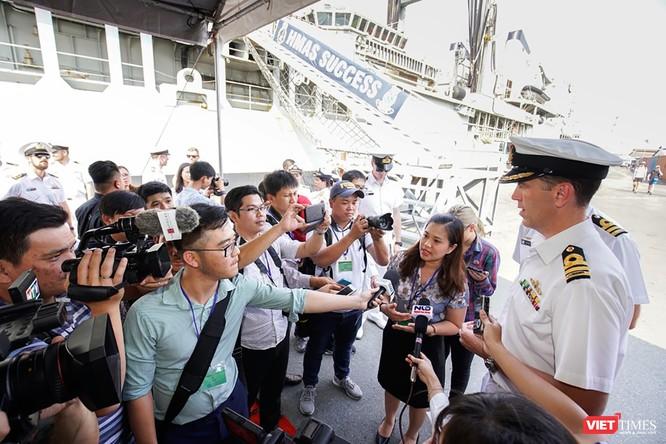 Đội tàu Hải quân Hoàng Gia Australia đến thăm TP.HCM ảnh 4