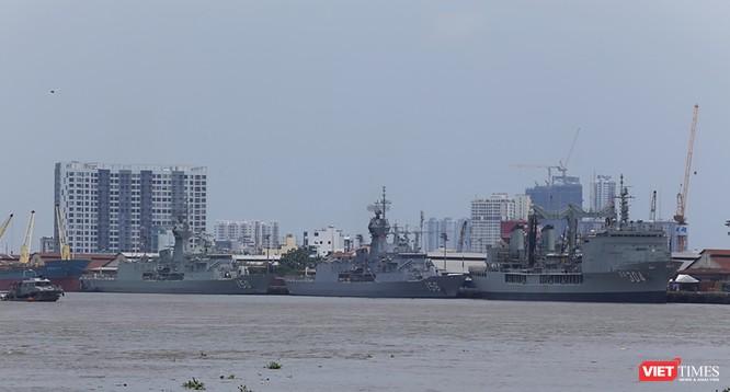 Đội tàu Hải quân Hoàng Gia Australia đến thăm TP.HCM ảnh 1