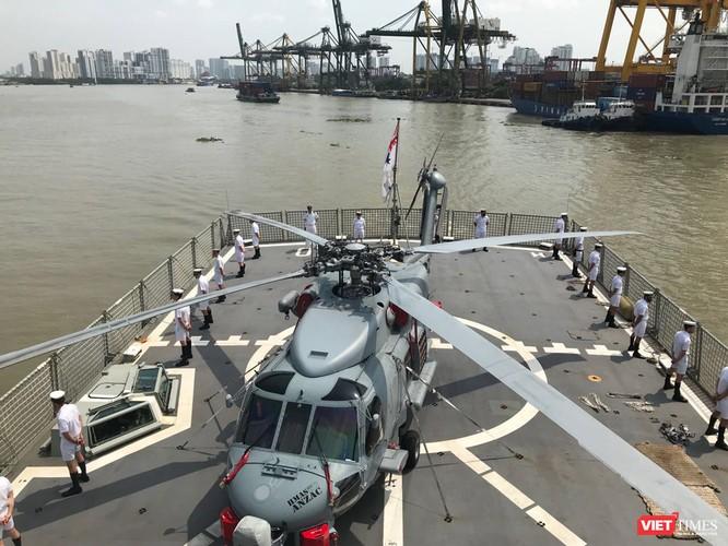 Đội tàu Hải quân Hoàng Gia Australia đến thăm TP.HCM ảnh 9